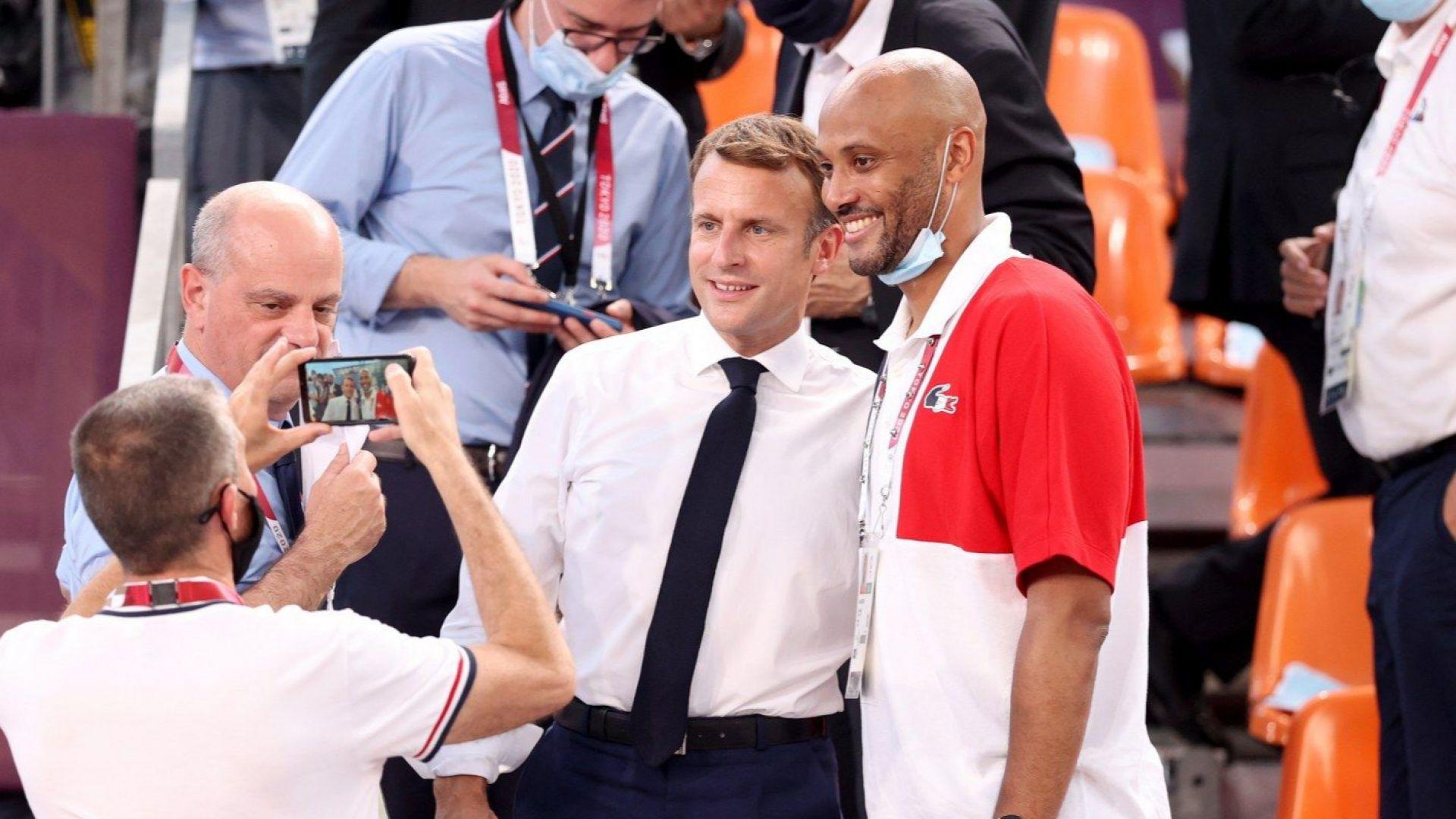 Макрон изгледа загуба на баскетболна Франция в дебюта на дисциплината