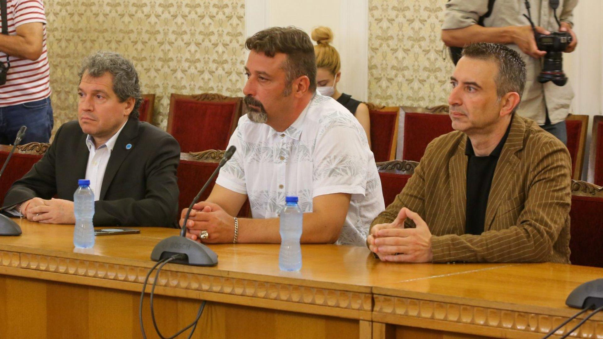 Стабилни ли са плаващите мнозинства: Експертни преговори за подкрепа на кабинет на ИТН