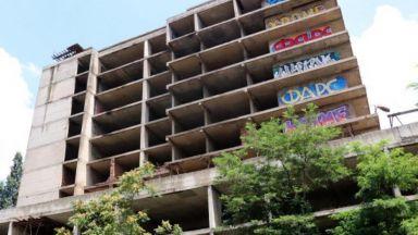 Строителят на детската болница: Договорът с МЗ не е стопиран
