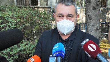 Туристи внасят COVID-19 в Бургас, шефът на РЗИ предупреди за още по-коварна вълна