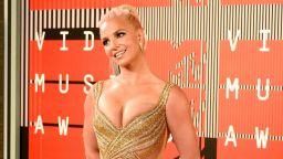 Бритни Спиърс захвърли горнището си като символ на желанието ѝ за свобода