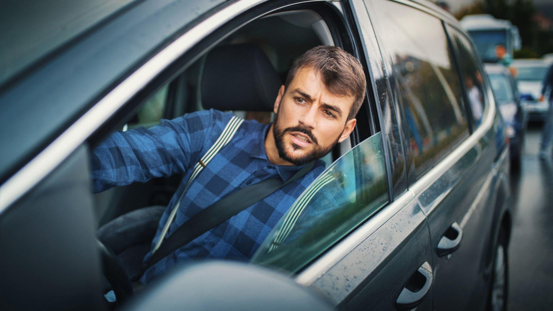 """Автомобилите от Черна гора влизат у нас без сертификат за """"Гражданска"""" и """"Зелена карта"""""""