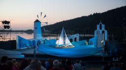 Mamma Mia! на лятната сцена на езерото Панчарево