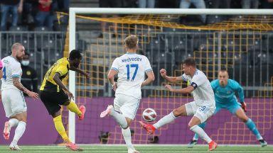 Божиков и Слован бяха близо, но не сътвориха чудо в Берн (Шампионска лига резултати)