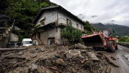 Хаос, наводнения и свлачища: Нови бури обхванаха Италия (снимки/видео)
