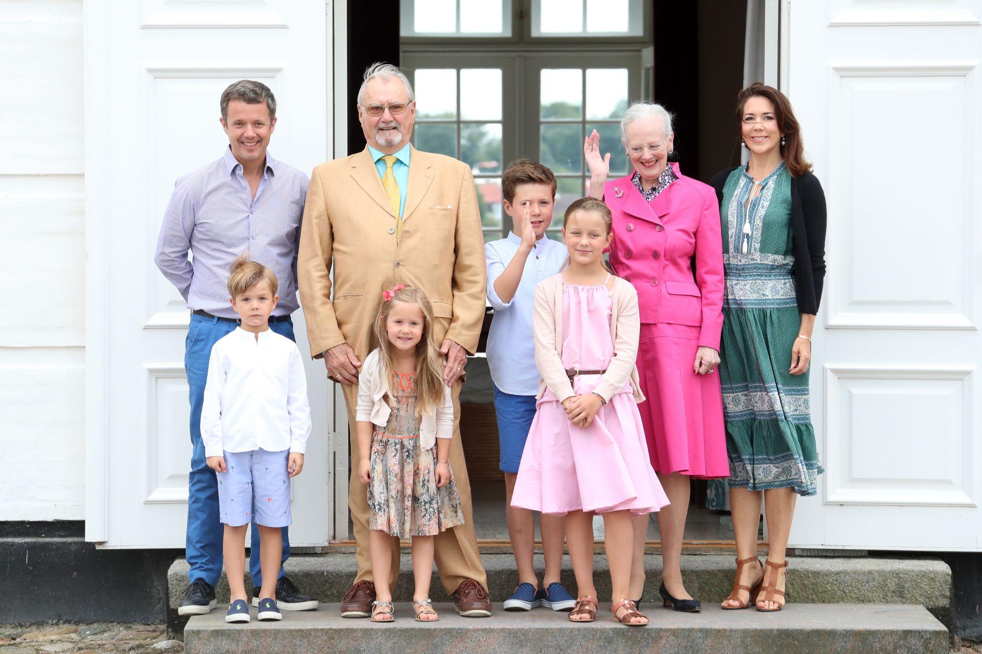 Кралица Маргрете Втора със семейството си