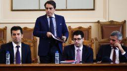 Над половината българи подкрепят служебния кабинет, Христо Иванов е с удвоена подкрепа