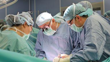 Само за 7 дни откриха и присадиха черен дроб на мъж с токсичен хепатит след Covid