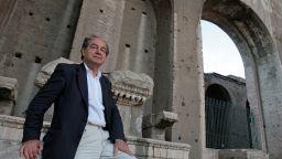 "На 80 години почина ""титанът на италианската литература"" Роберто Каласо"