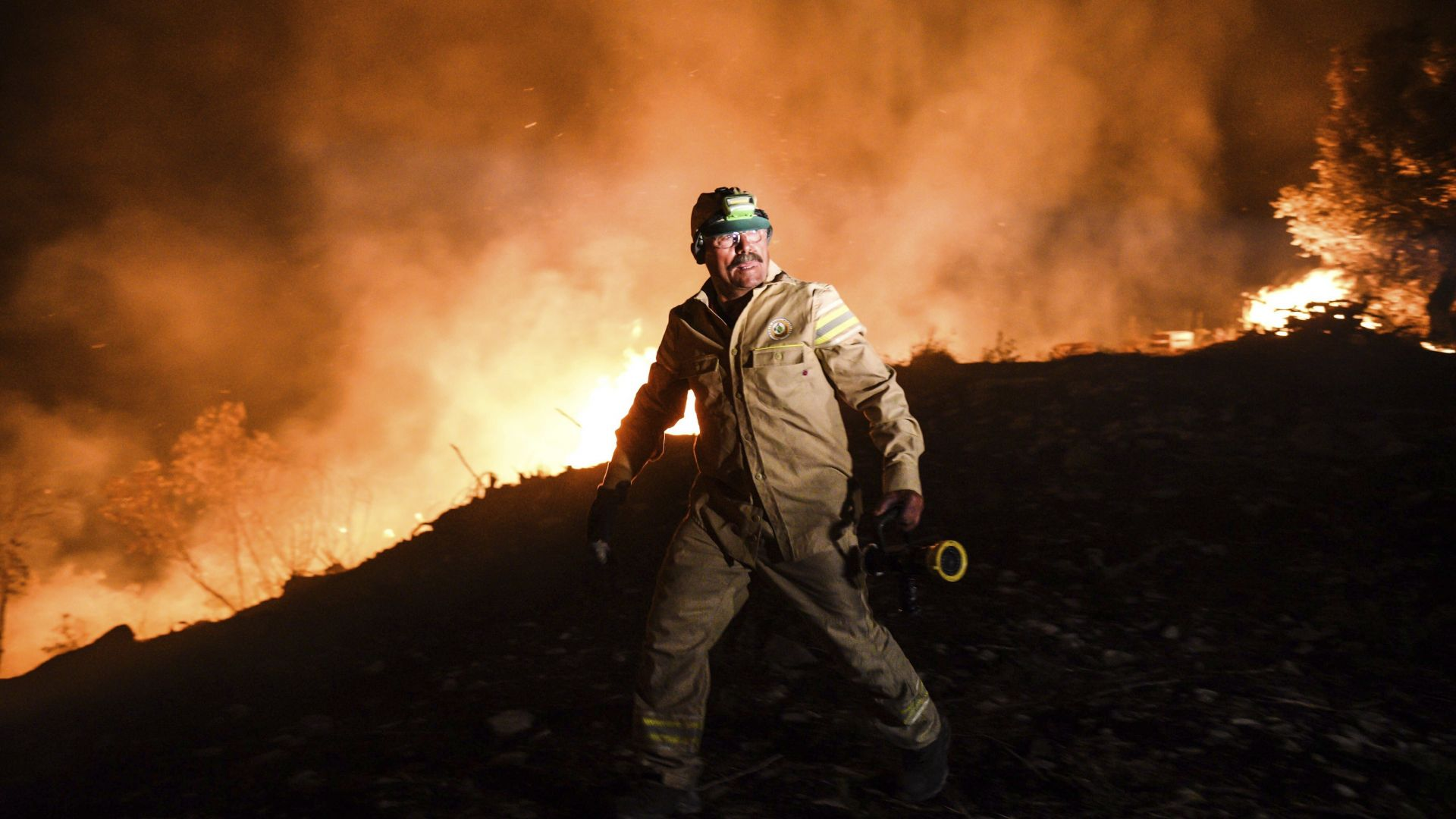 Пострадали и ранени при пожари в Северна Македония, Радев обещал помощ на Пендаровски