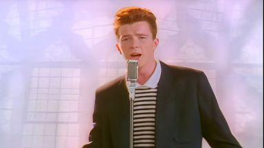"""Заради шега: Клипът към песента """"Never Gonna Give You Up"""" на Рик Астли мина 1 милрд. гледания в YouTueb"""