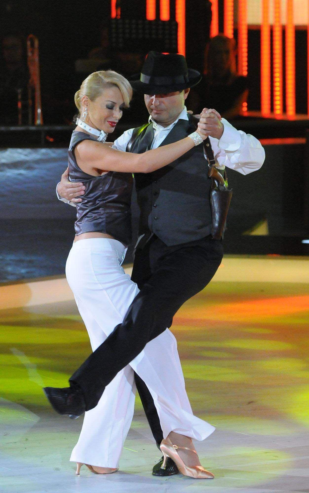 С Мира Добрева в телевизионното шоу VIP Dance