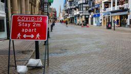 Под напора на Covid и онлайн търговията: всеки 7-и магазин в Англия е празен