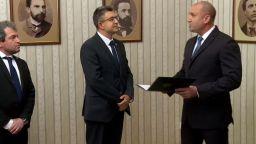 Президентството: Спазена е конституционната процедура при връчване на мандата