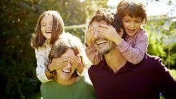 Потребители на мрежата споделят забавни статуси за родителството, които са самата истина