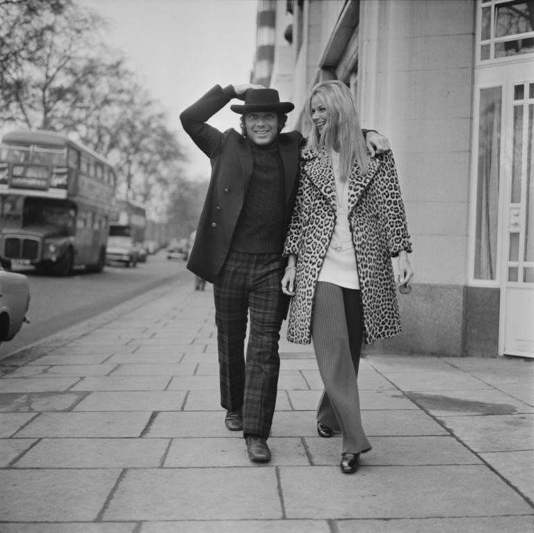 С първата си съпруга Ан дьо Зогеб в Лондон през 1971 г.