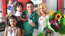 Шампионско посрещане за медалистката Костадинова и голямата Гроздева