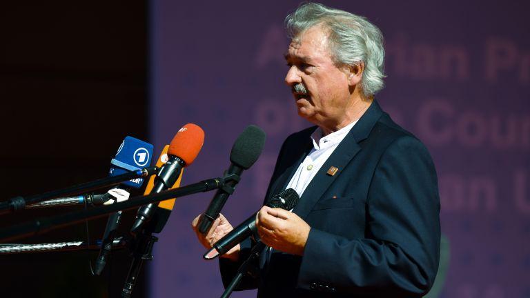 72-годишният външен министър на Люксембург Жан Аселборн, който е и