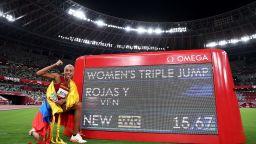 Невероятната Рохас разби на пух и прах 26-годишния световен рекорд в тройния скок