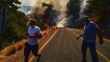 ЕК ще изпрати три самолета за гасене  на пожари в Турция