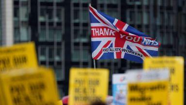 Изправена ли е Великобритания пред недостиг на служители