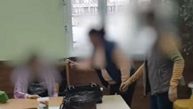 Заснеха скандален клип със закани на учителки към дете с увреждания (видео)
