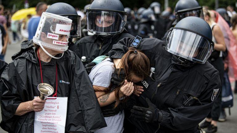 Някои участници в движението, настояло за съпроводените с насилие протести