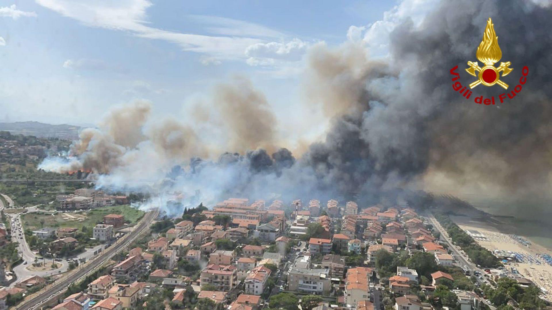 Щетите от пожарите в Катания са за милиони евро