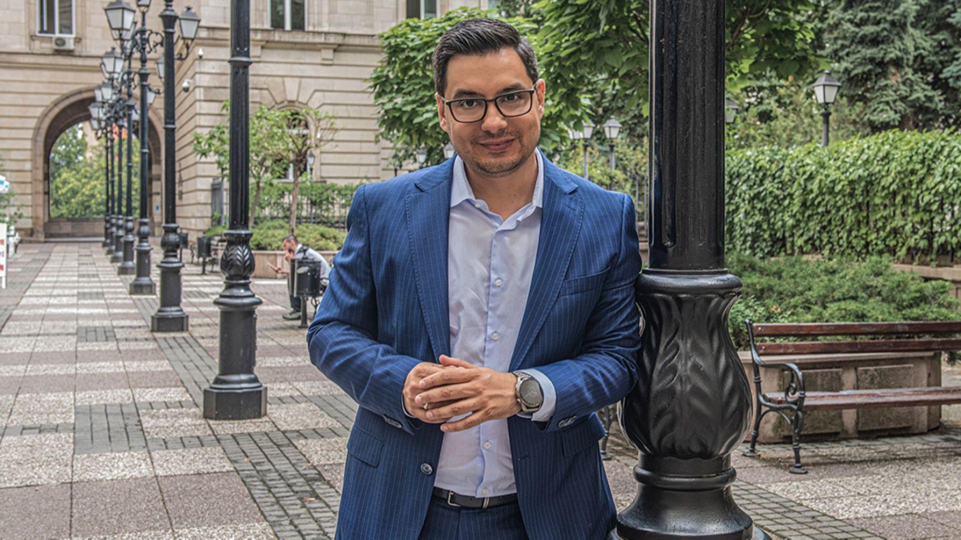 Светослав Иванов: Свободата не е свързана с това да разберем какво се случва, а защо и как се случва