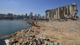 Разруха, криза, мъка и много въпроси: Как изглежда пристанището на Бейрут днес (снимки)