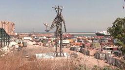 1 г. след адския взрив в Бейрут: Мемориална скулптура на порта предизвика остра полемика (видео)