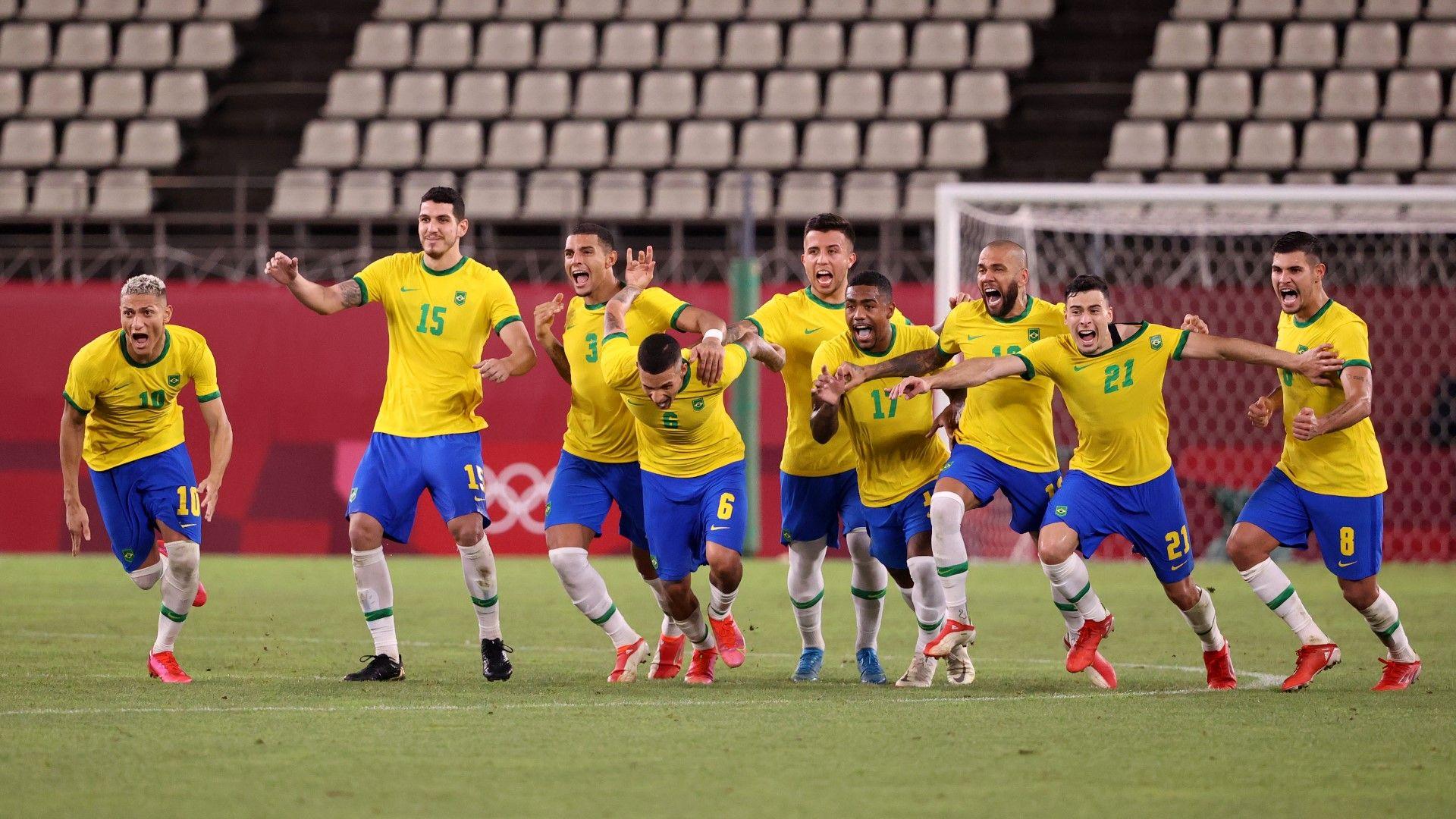Кабаков даде и отмени дузпа, драма прати Бразилия на трети пореден финал