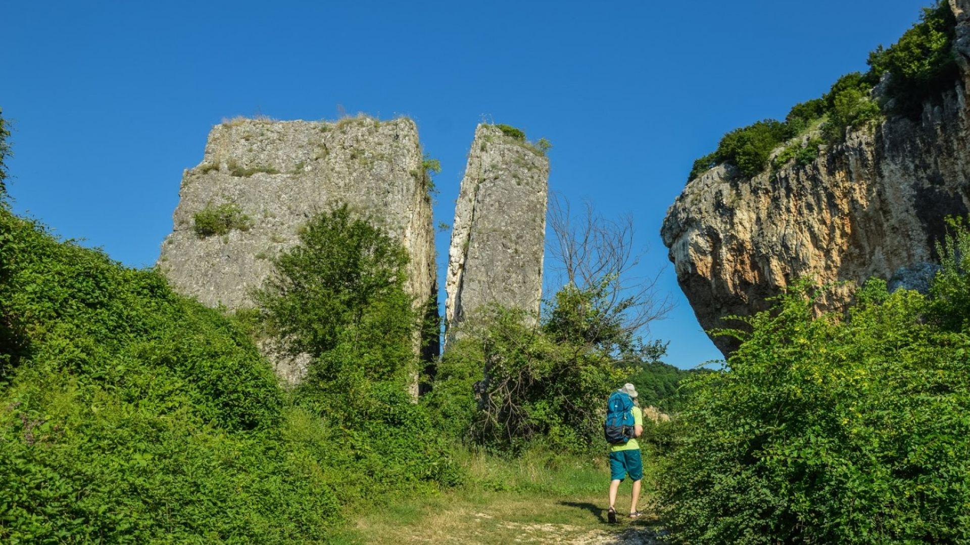 Каньонът на река Чернелка: разходка без тълпи край Плевен
