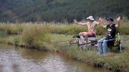 Беър Грилс пасти да яде! С Ники Станоев и Росен на риболов!