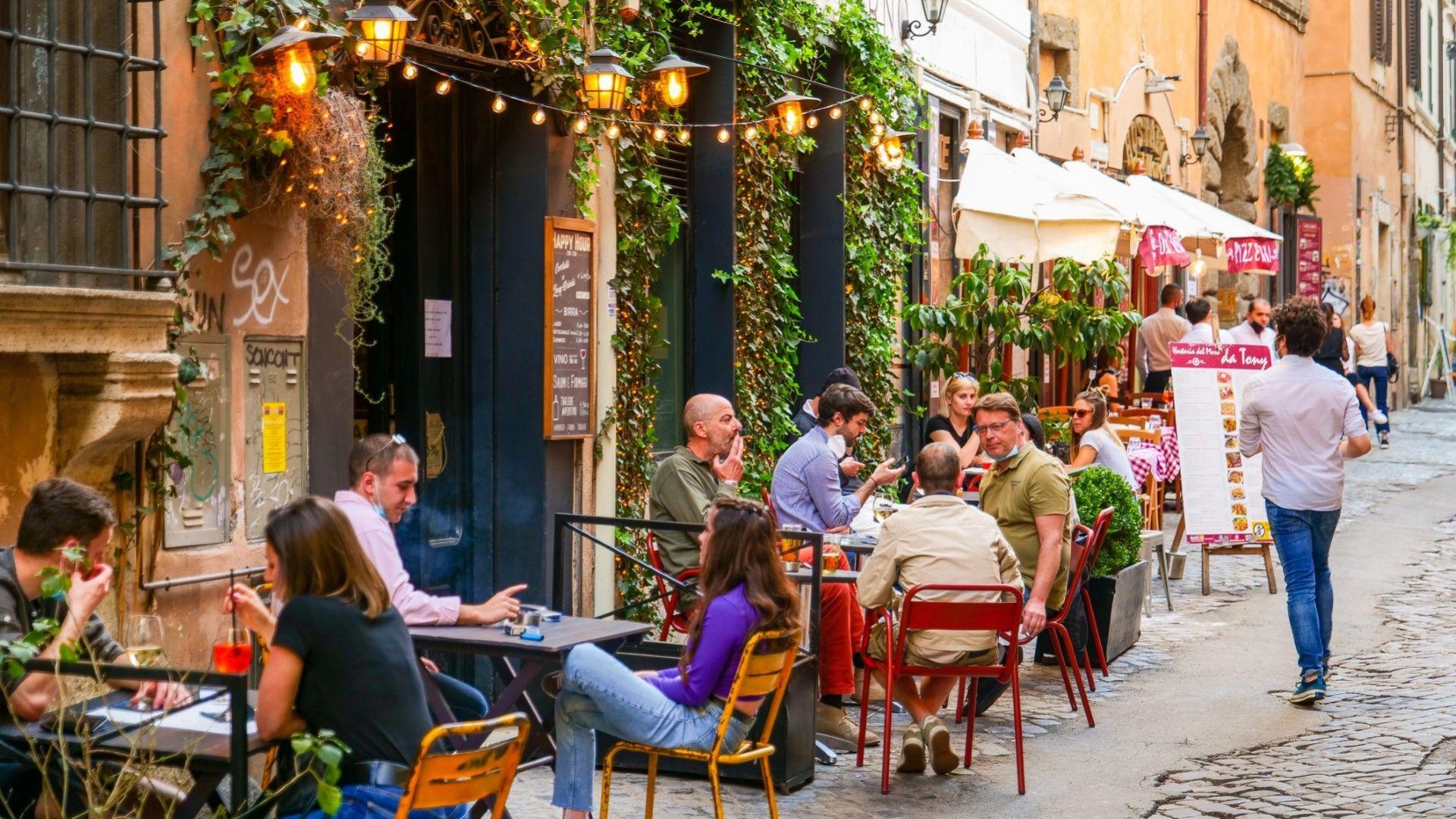 Италия: Какво трябва да знаете за новите правила за туристи от 6 август