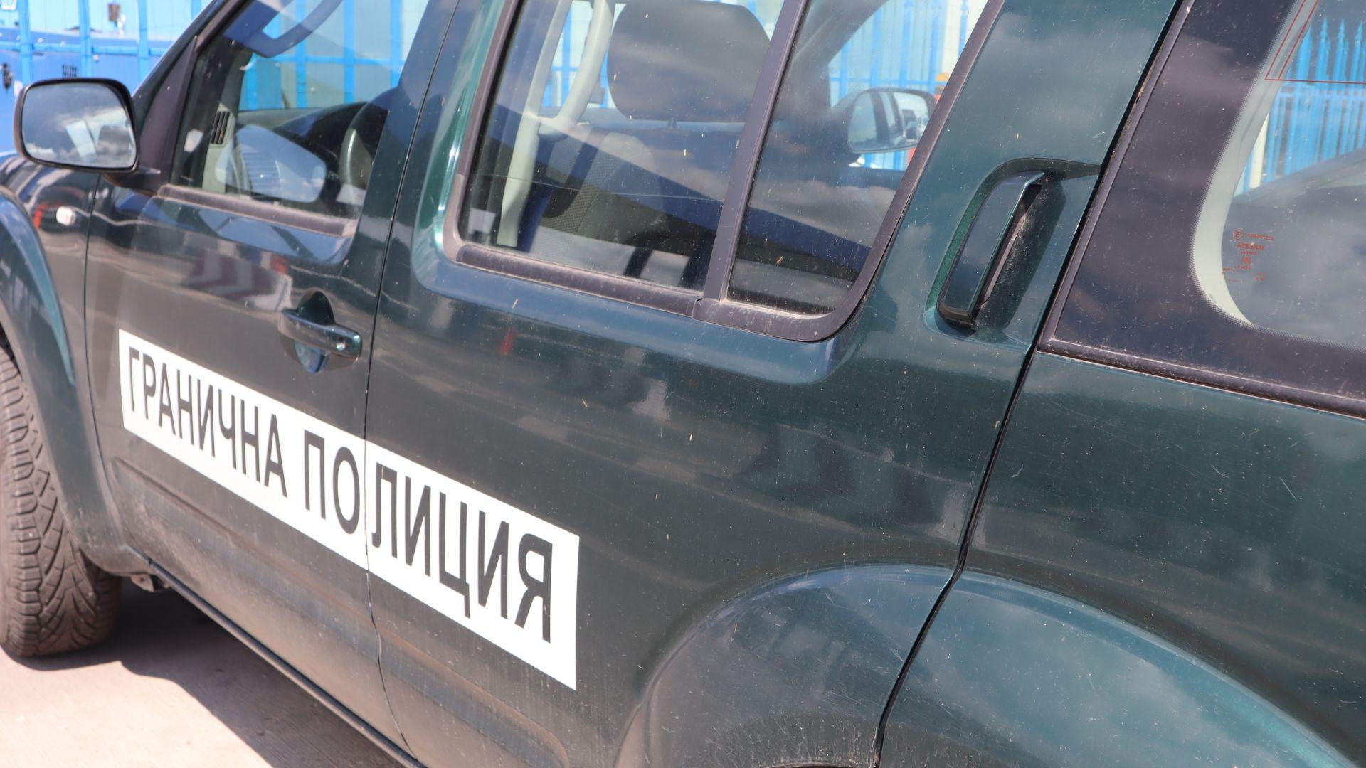 """Шофьор на """"Гранична полиция"""" отне предимство и удари кола край ГКПП """"Кулата"""""""