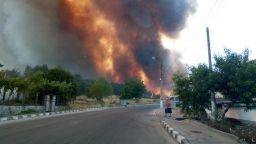 Лесничеи загинаха в огнен капан край Сандански, пожар заплашва да изпелели и Старосел