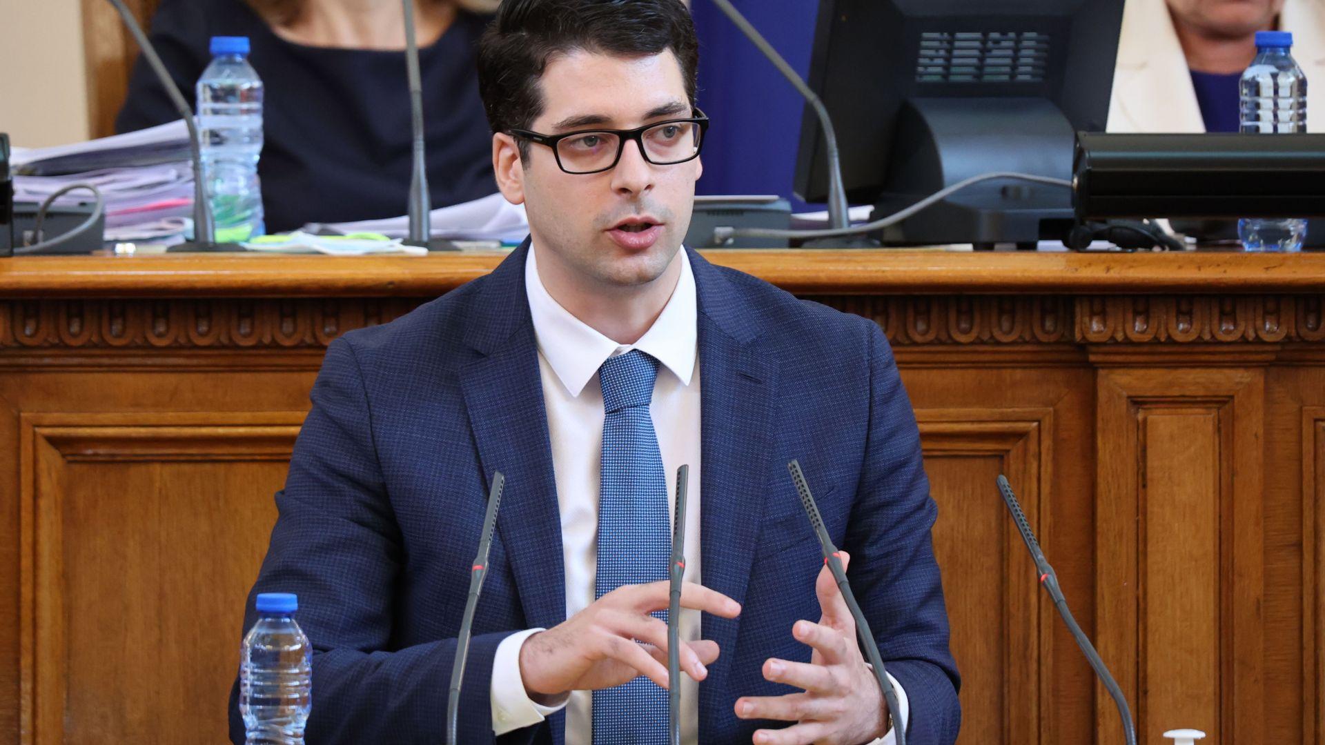 Пеканов потвърди, че кабинетът ще се бори с поскъпването на енергията