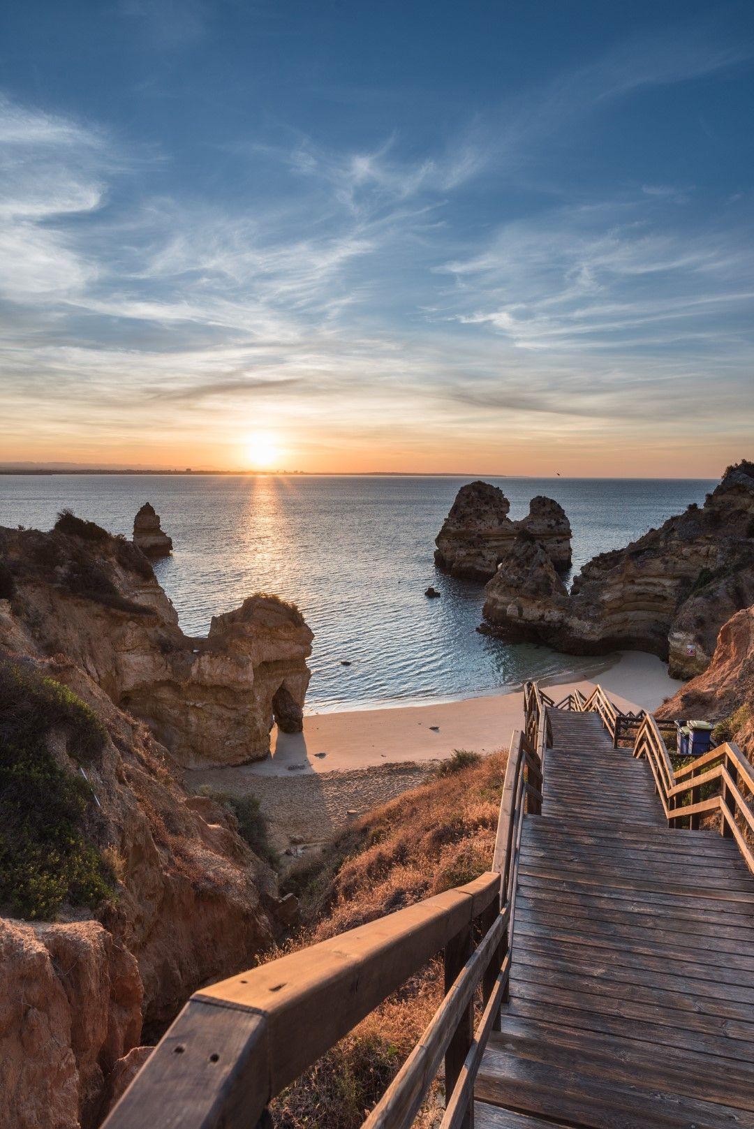 Камило е плажът с едни от най-красивите залези