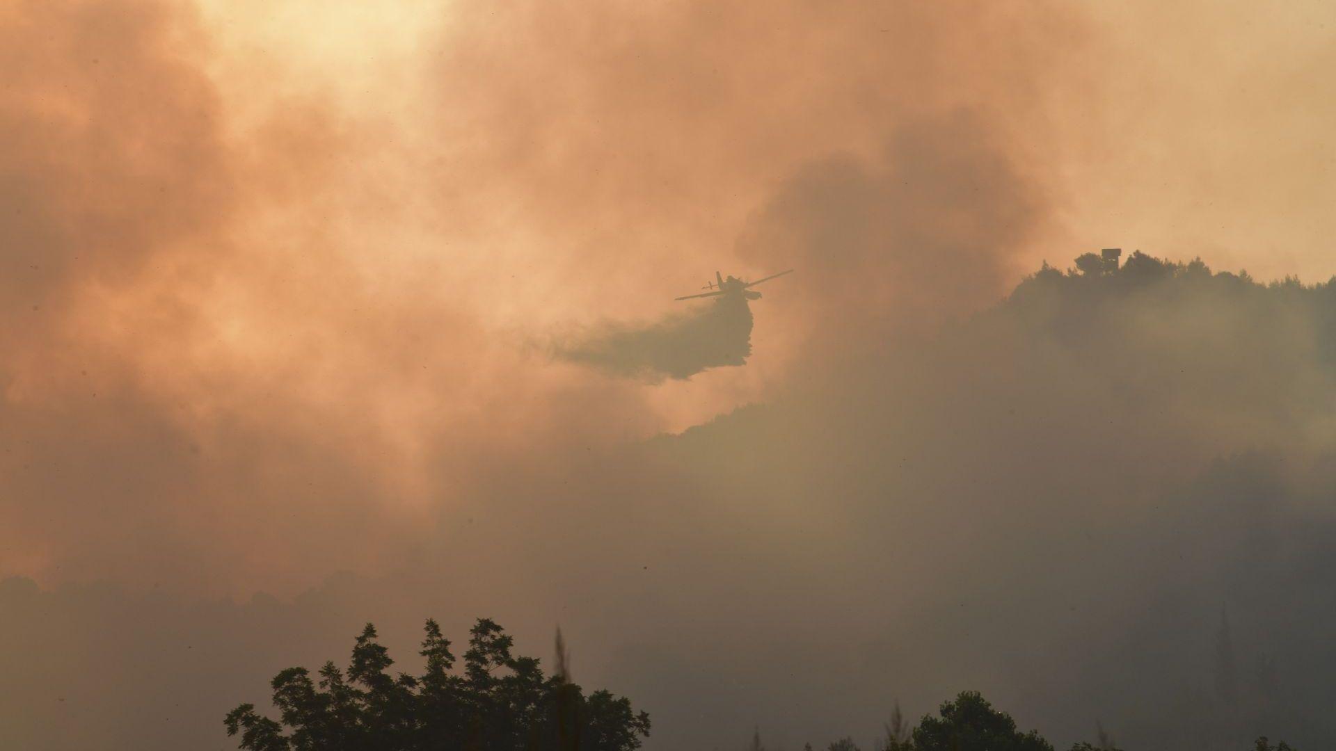 Външно: Обстановката в Гърция заради пожарите е сложна, няма постарали българи