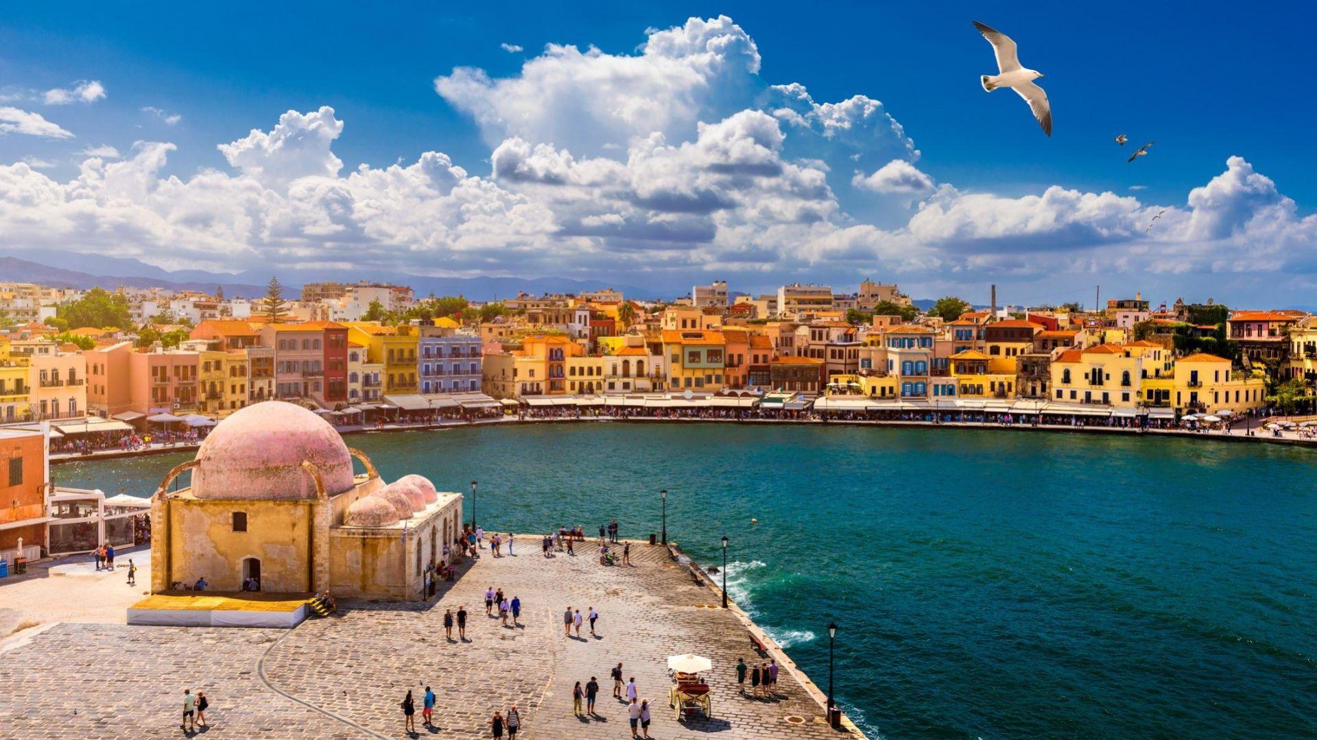 Гърция налага ограничения на два туристически острова