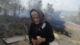Готова да изгори, но не и да остави дома си: Героят от Старосел баба Мария