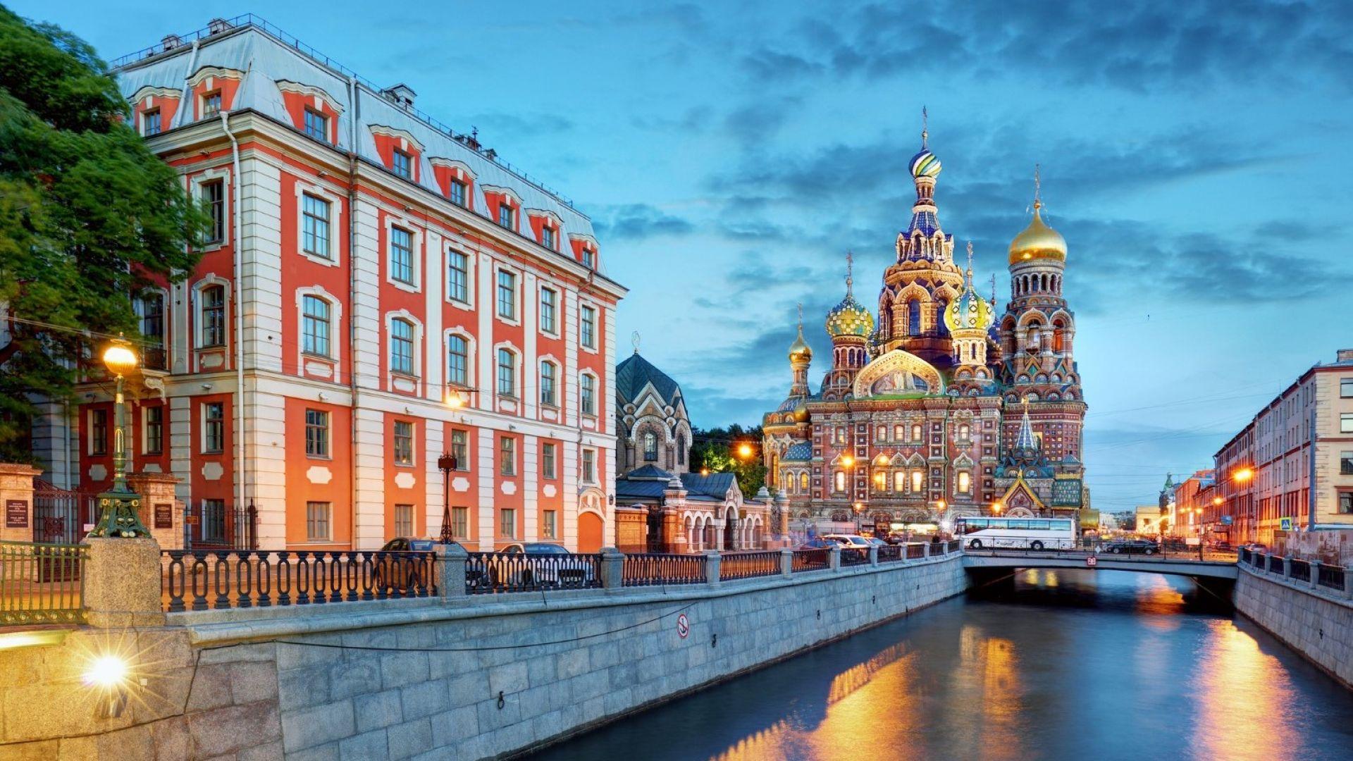 Санкт Петербург за любителите на архитектурата (видео)