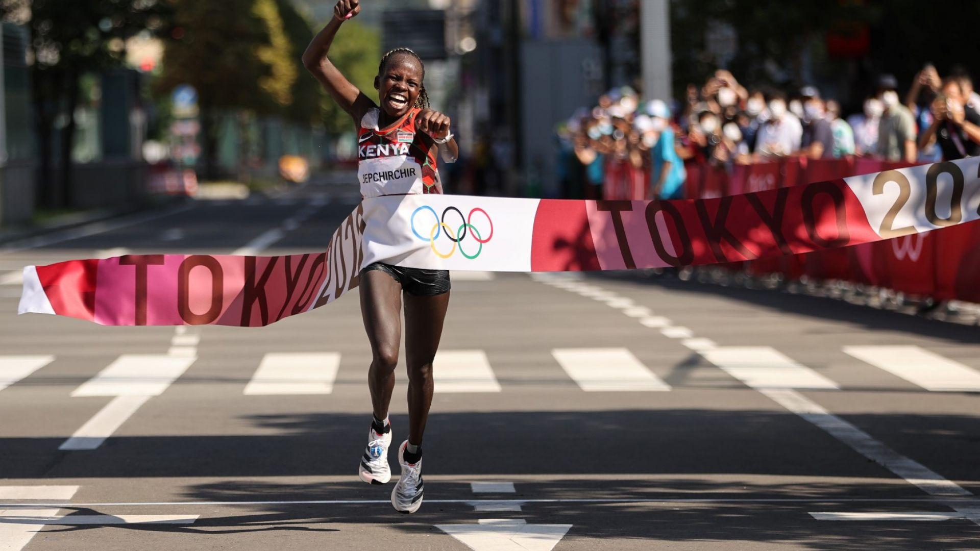 Двоен кенийски триумф на маратона в японската жега