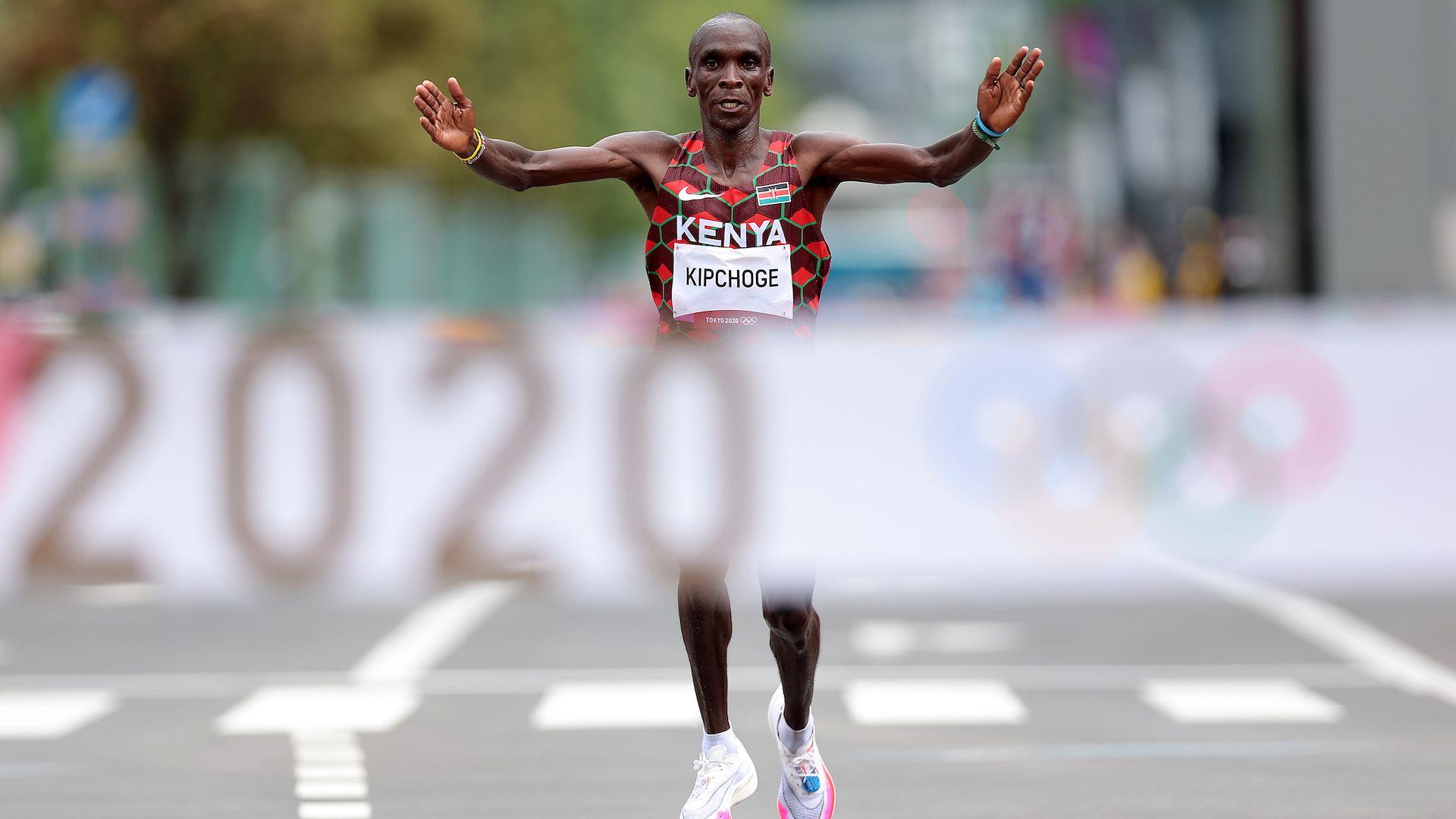 Кениец стана едва третият олимпиец с поредни титли в маратона