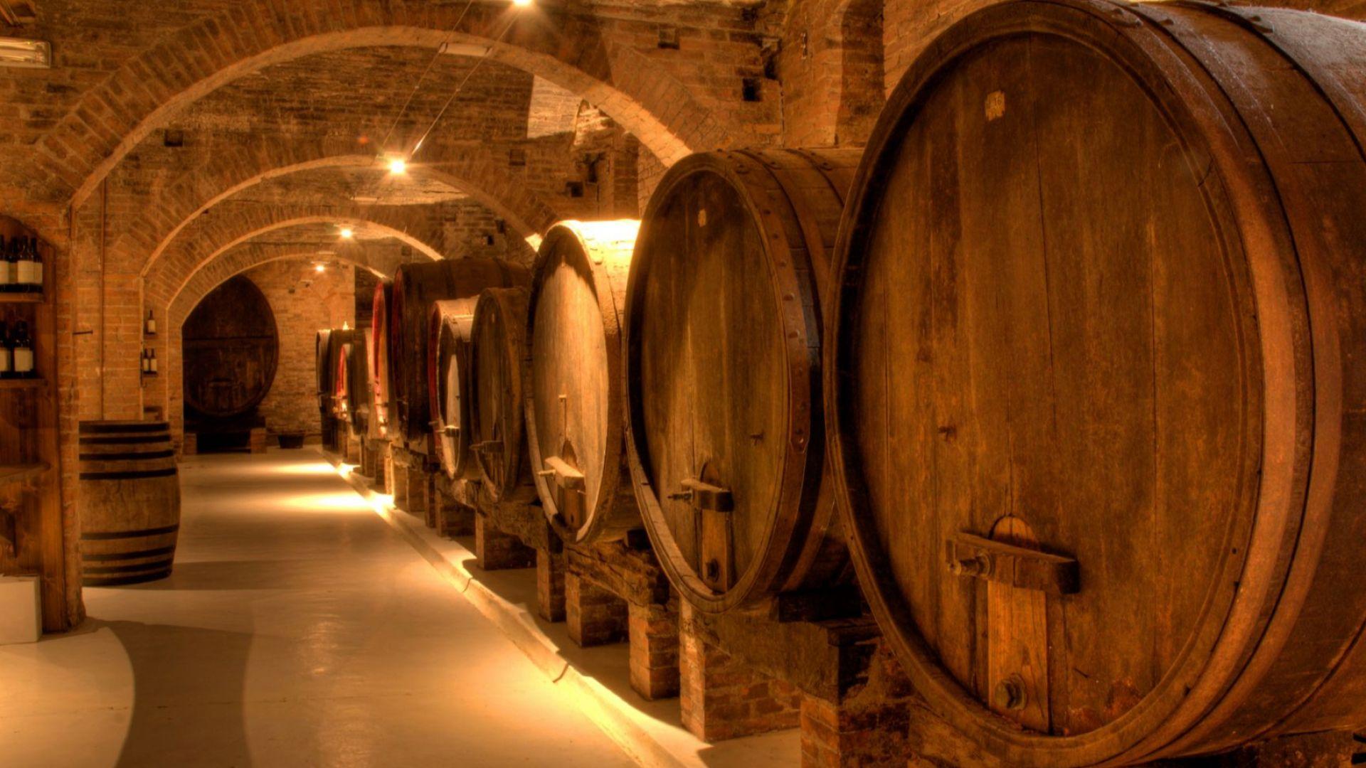 80 милиона литра вино от реколта 2020 все още стоят в избите