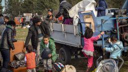 МВР поставя допълнителни жилищни контейнери за бежанци