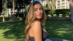 Красива съблазън: Саня Борисова пленява по бански от Златни пясъци