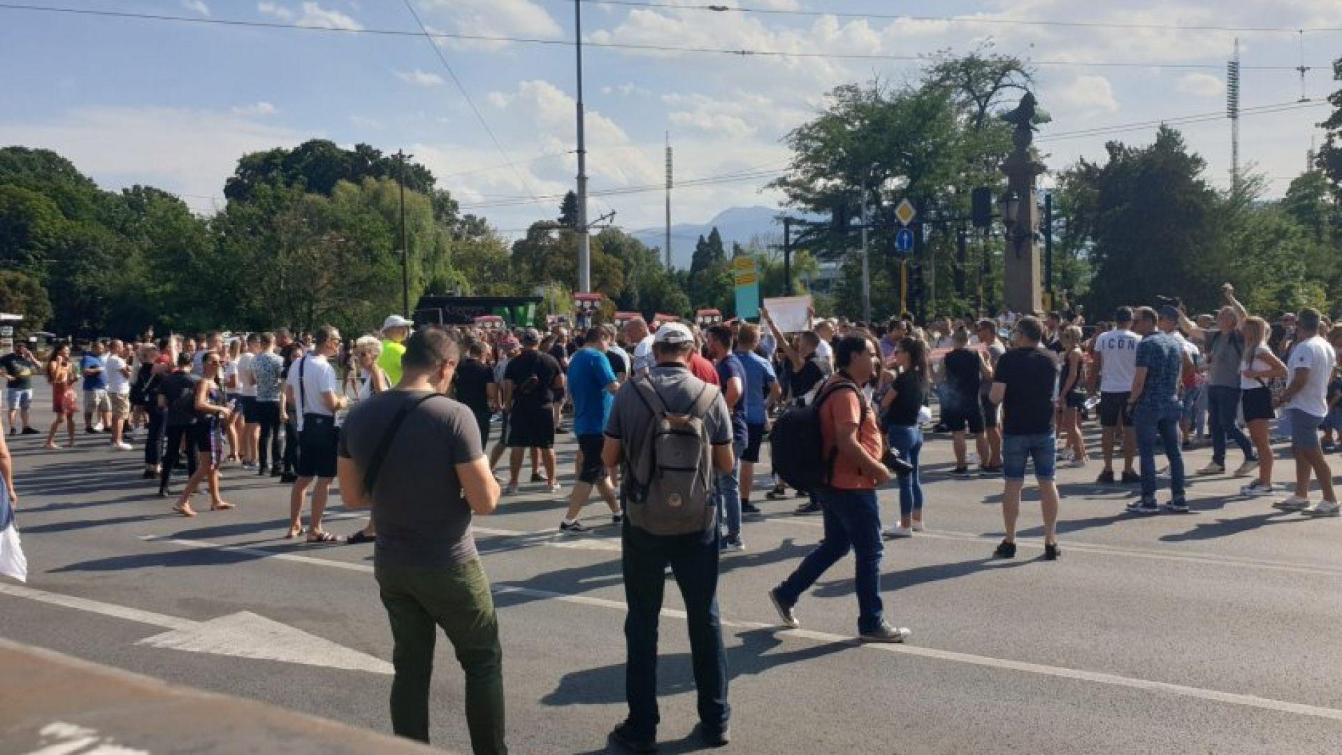 Ресторантьорите прекратяват протестните действия, но започват акция #СВОБОДАЗАБИЗНЕСА