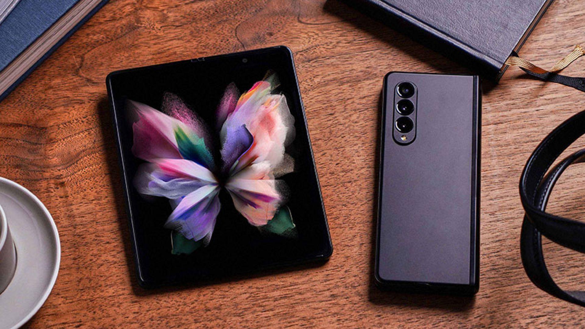 Samsung представи новите си сгъваеми смартфони (снимки)